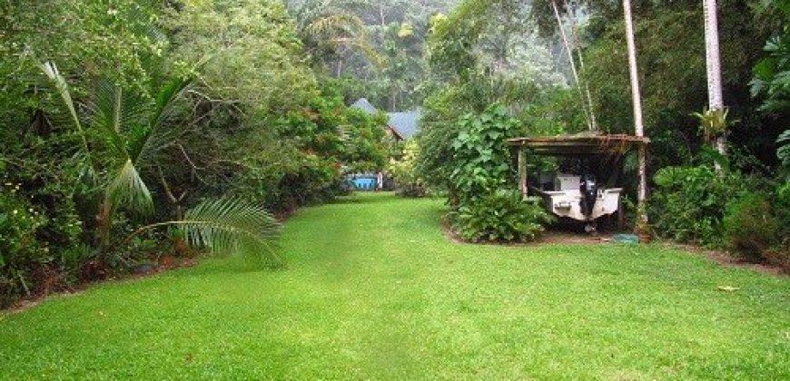A vendre Maison F5 à Afaahiti ( Terrain 5000M2)