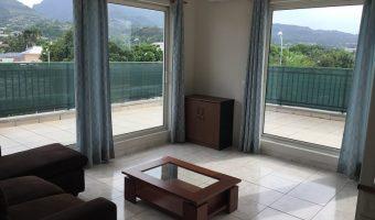 A vendre appartement F3 à Pirae (Proche centre-ville, écoles, et de toutes commodités)
