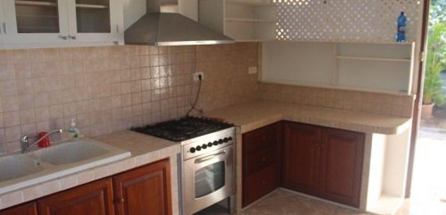 A louer belle maison F4 à étage, petite vue moorea, Faa'a.