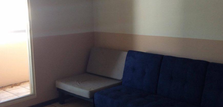 A Louer appartement F3 situé au 3ème étage.