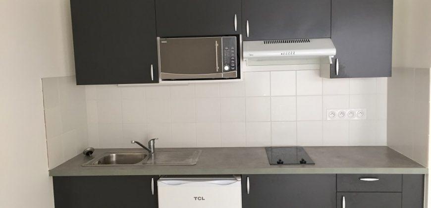 A louer F1 47 m2 dans résidence pour Séniors ( + 60 ans) à Papeete