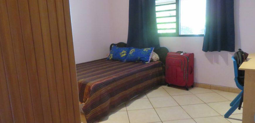 A louer Maison F5 (meublée/équipée) C/Mont. à PUNAAUIA secteur Matatia