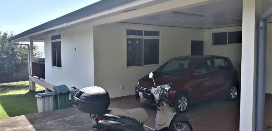 A louer une maison F3 C/Mont. à Paea (Entretien jardin inclus)