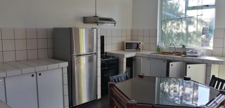 A louer maison F3 (Meublée/équipée) à Papara (Entretien jardin inclus)