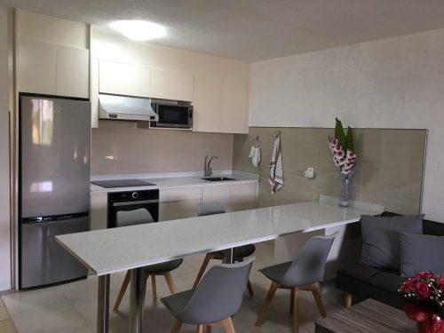 A vendre grand STUDIO moderne, meublé/équipé/climatisé à PAPEETE – Proche du front de mer