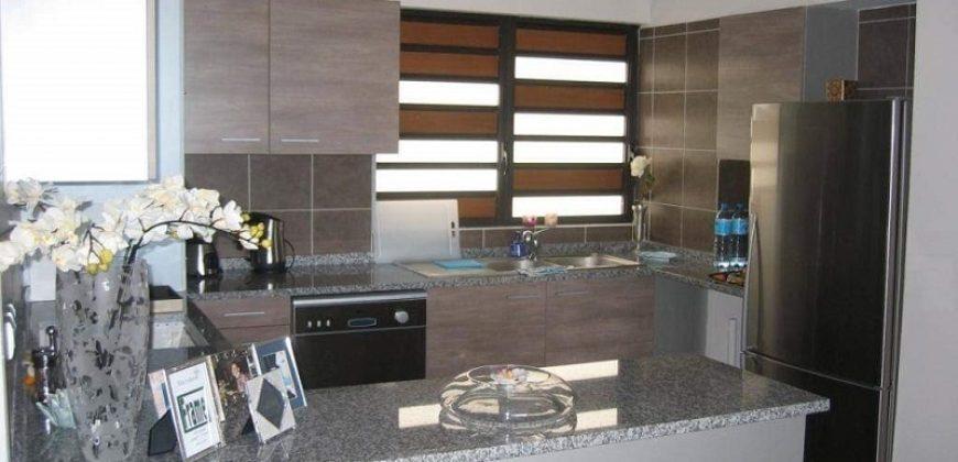 A vendre un grand appartement F2 ( 100m² ) standing à Papeete.