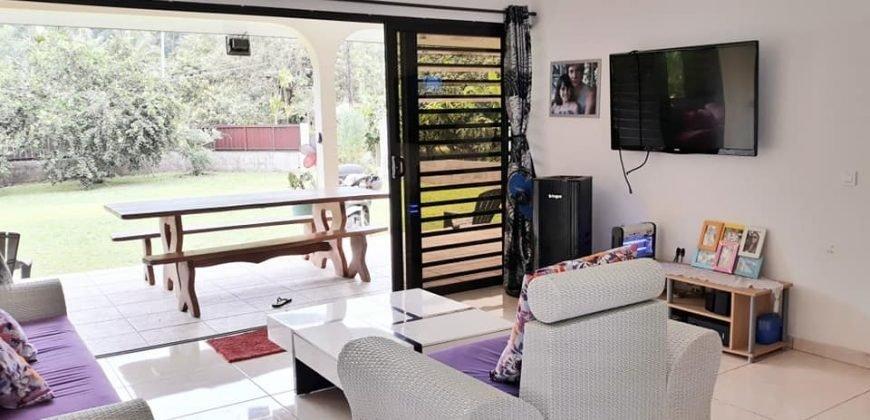 """A louer maison f3 """"meublée/équipée"""" à Papeari (A 5 minutes de Taravao)"""