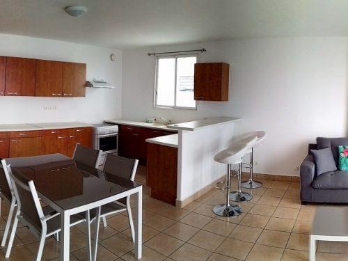 A louer appartement F3 sur les hauteurs de Punaauia – Vue Moorea