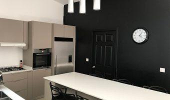 A Louer Paea Maison F3 très moderne style Américain, avec Jacuzzi