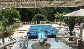 A vendre Maison F4 Standing (Piscine, Fare Pote et Jacuzzi) Punaauia/ Paea