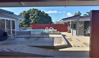 A louer maison F3-Bis + annexe extérieur bureau, Cuisine et Piscine à Mataiea (Limite Papara)